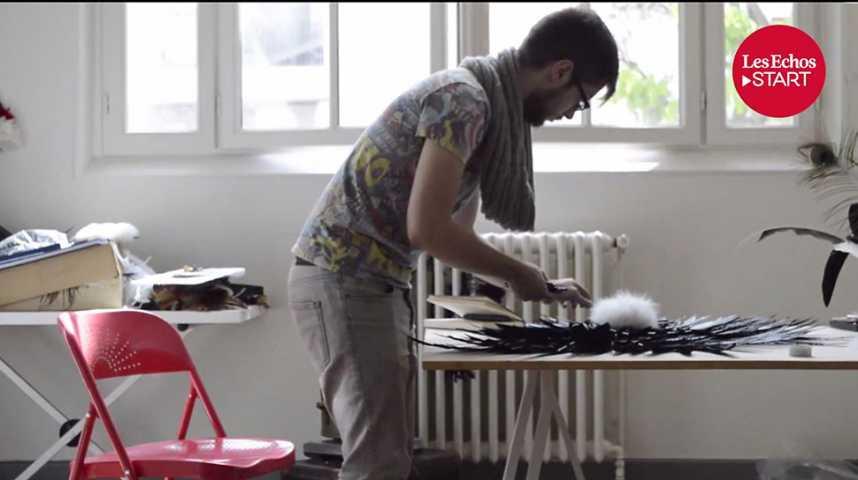 Illustration pour la vidéo Mon job en 2 minutes : Plumassier