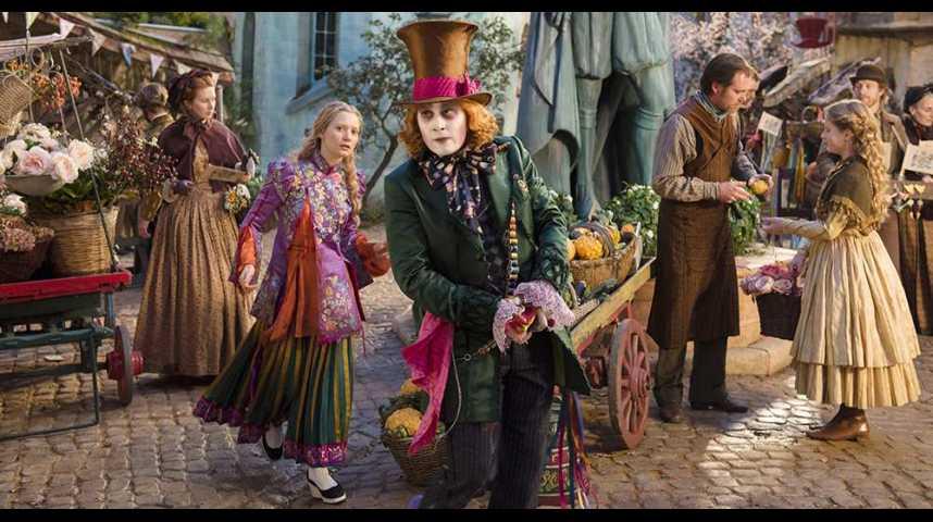 """Illustration pour la vidéo Cinéma : """"Alice, de l'autre côté du miroir"""", il faut sauver le Chapelier fou"""