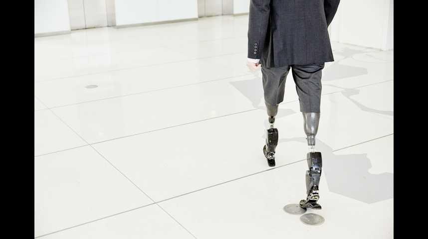 Illustration pour la vidéo Des prothèses bioniques du genou et de la cheville
