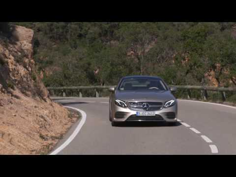 The new Mercedes-Benz E 300 Coupe Driving Video in Aragonite Silver | AutoMotoTV