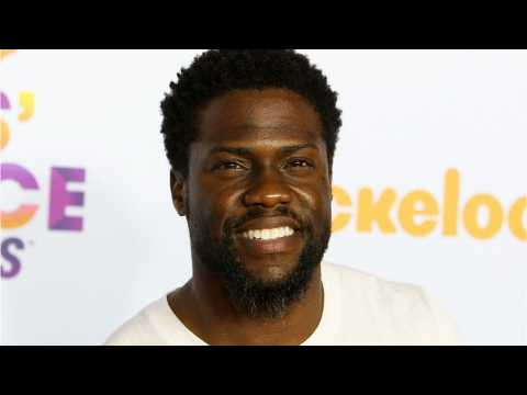 Kevin Hart Shows Off Abs On Family's Mexico Vacation