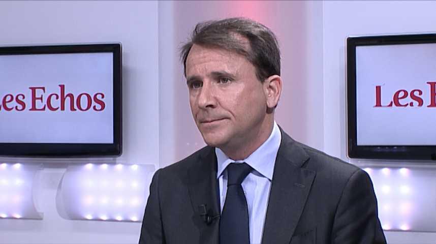 Illustration pour la vidéo «Le Pen et Mélenchon effraient les patrons», selon le vice-président du Medef
