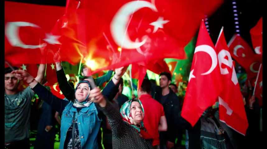 Illustration pour la vidéo Turquie : Erdogan obtient les pleins pouvoirs avec des résultats contestés