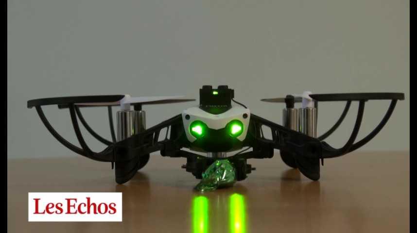 Illustration pour la vidéo Le mini drone Parrot Mambo, le nouveau jouet de l'open space