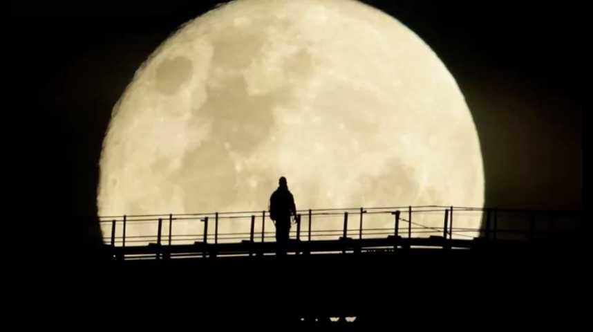 """Illustration pour la vidéo La """"Super Lune"""" attire les observateurs du monde entier"""