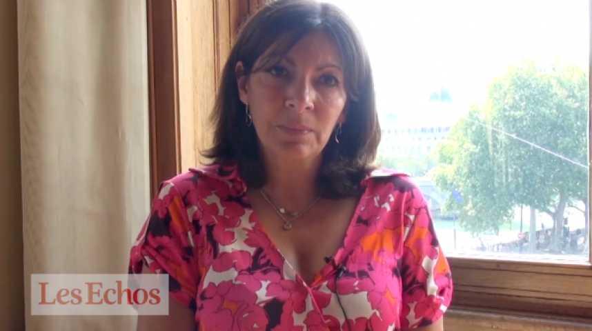 Illustration pour la vidéo Terrorisme : Anne Hidalgo affirme que la ville de Paris n'a pas baissé la garde