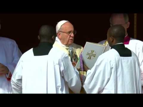 Pope leads Easter Sunday mass at Vatican