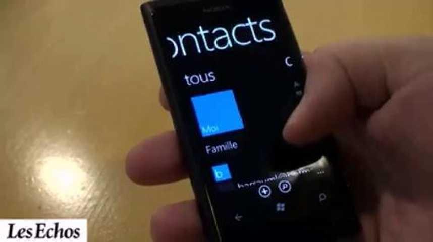 Illustration pour la vidéo Le Nokia Lumia 800