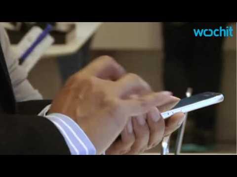 Apple climbs past Samsung as world's top phone vendor