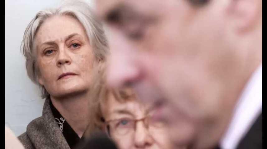 """Illustration pour la vidéo Affaire Fillon : le parquet n'envisage pas """"en l'état"""" de classement sans suite"""