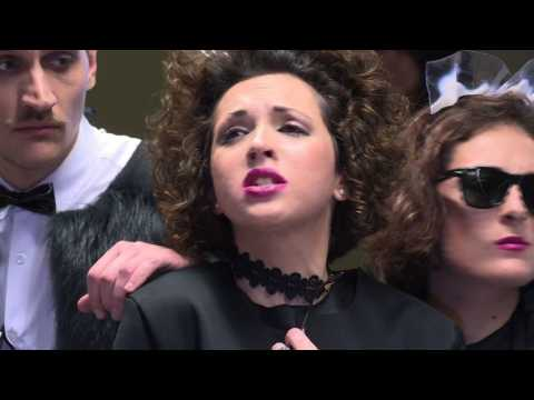 Argentine opera singers surprise subway riders in Buenos Aires