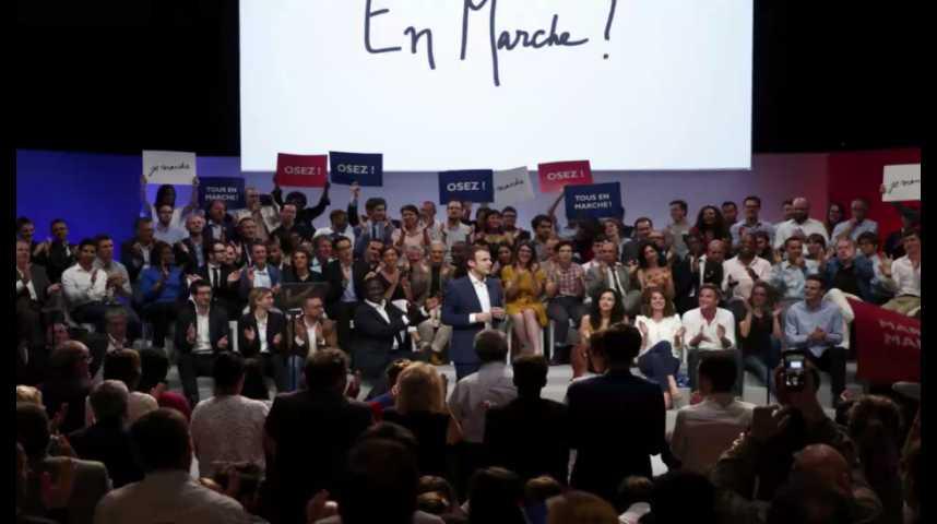 Illustration pour la vidéo Emmanuel Macron fait son show à la Mutualité
