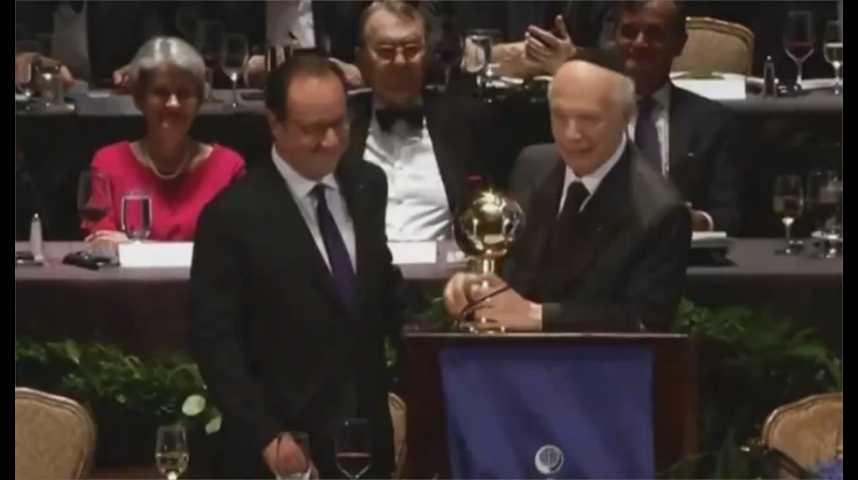 Illustration pour la vidéo François Hollande sacré « homme d'Etat de l'année » à New York