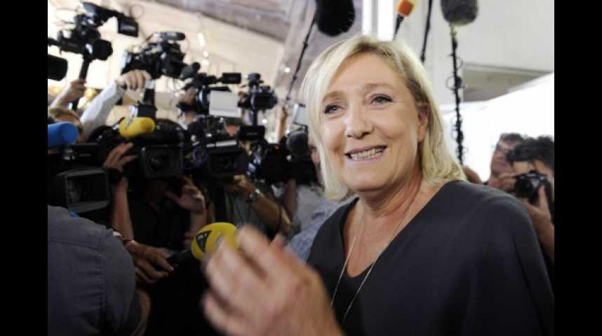 Illustration pour la vidéo Sondage présidentiel : peu importe les candidats face à elle, Marine Le Pen systématiquement qualifiée au second tour
