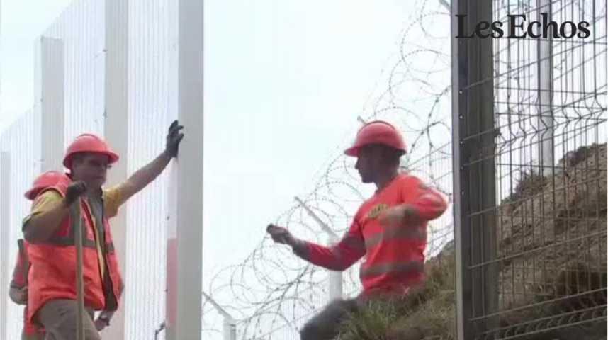 Illustration pour la vidéo Calais : la construction du mur commence