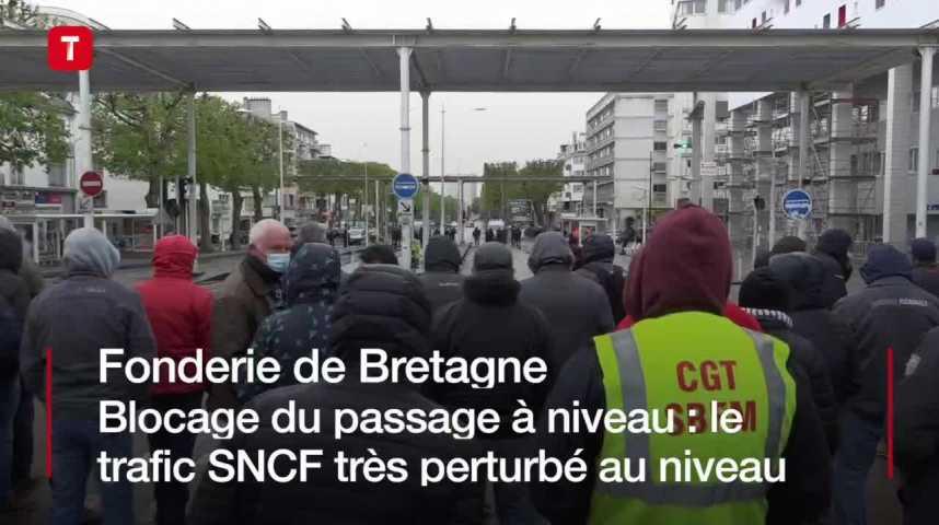 Thumbnail Fonderie de Bretagne. Blocage du passage à niveau : le trafic SNCF très perturbé au niveau de Lorient