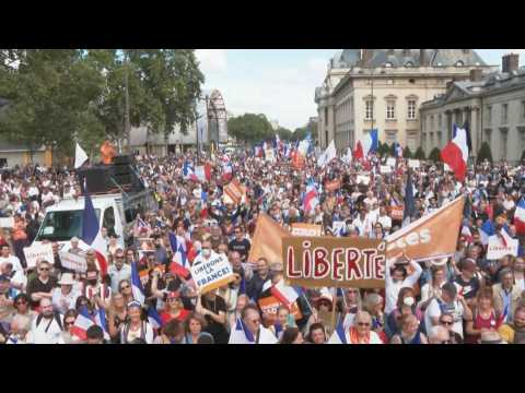 Thousands rally in Paris anti-health pass demonstration