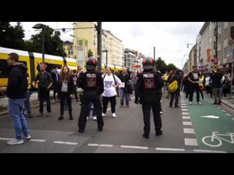 Protest against COVID-19 measures continues in Berlin