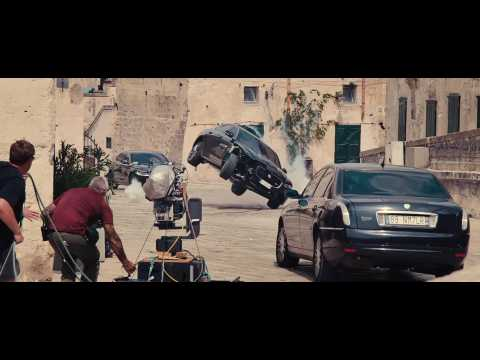 Jaguar XF celebrates its James Bond debut in No Time To Die - the Jaguar limousine pushes its limits in the narrow streets of Matera in southern Italy