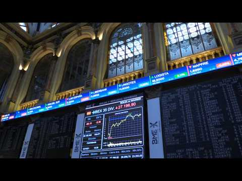Spanish Stock Market falls 0.97% but recovers the level of 8,800 points