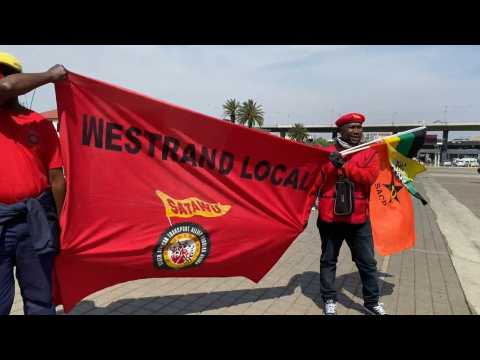 Trade unionists demonstrate in Johannesburg against corruption