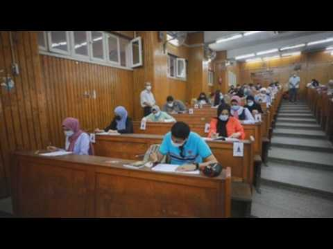 Egyptian university students, with exams amid the pandemic