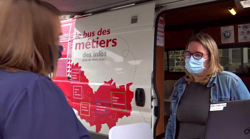 Thumbnail Un bus sillone les campagnes des Côtes d'Armor pour vous aider dans votre parcours professionnel