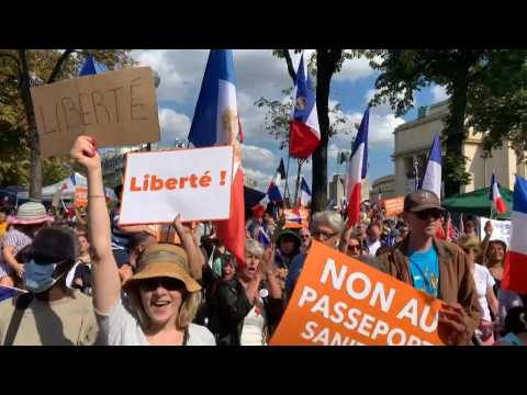 Hundreds march across Paris in protest against Covid-19 health pass