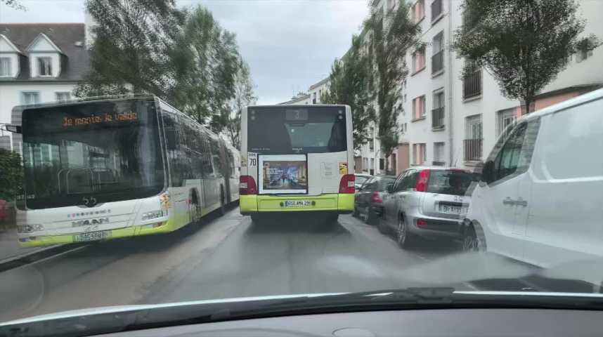 Thumbnail Les conducteurs de bus en colère contre les ralentisseurs à Brest