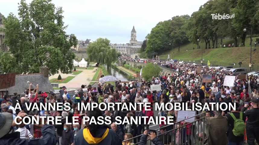 Thumbnail Pass sanitaire : plusieurs milliers de manifestants dans les rues de Vannes