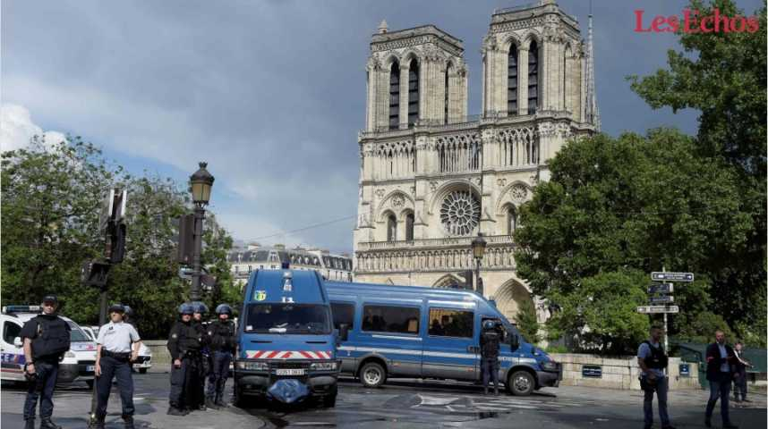 Illustration pour la vidéo Policier agressé devant Notre-Dame : ce que l'on sait