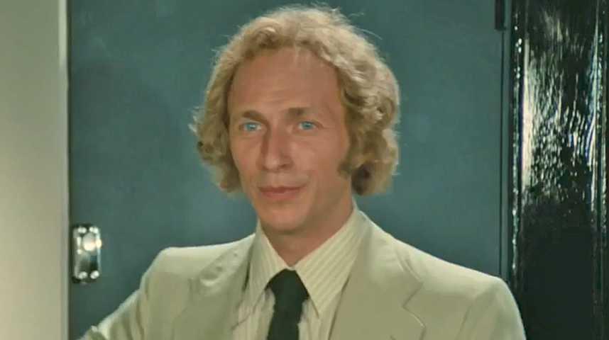 Le Grand Blond avec une chaussure noire - Bande annonce 1 - VF - (1972)