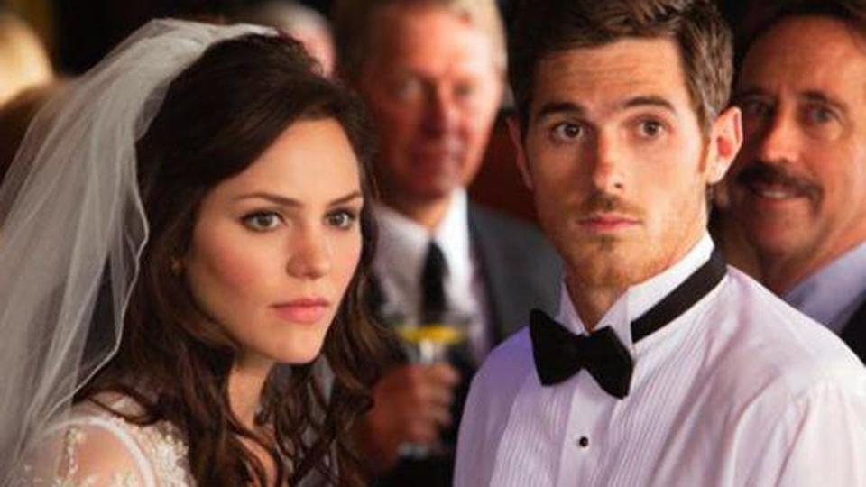 N'embrasse pas la mariée - bande annonce 2 - VF - (2011)