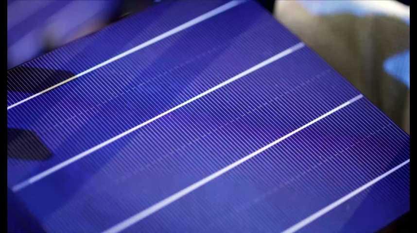 Illustration pour la vidéo Total s'offre une pépite française des énergies renouvelables