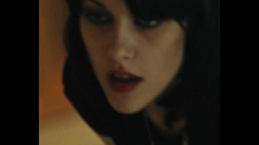Les Runaways - teaser - VF - (2010)