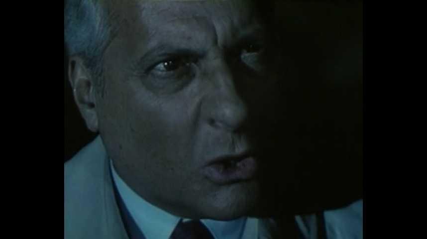 Ne réveillez pas un flic qui dort - bande annonce - (1988)