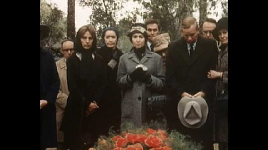 Complot de famille - bande annonce - VO - (1976)