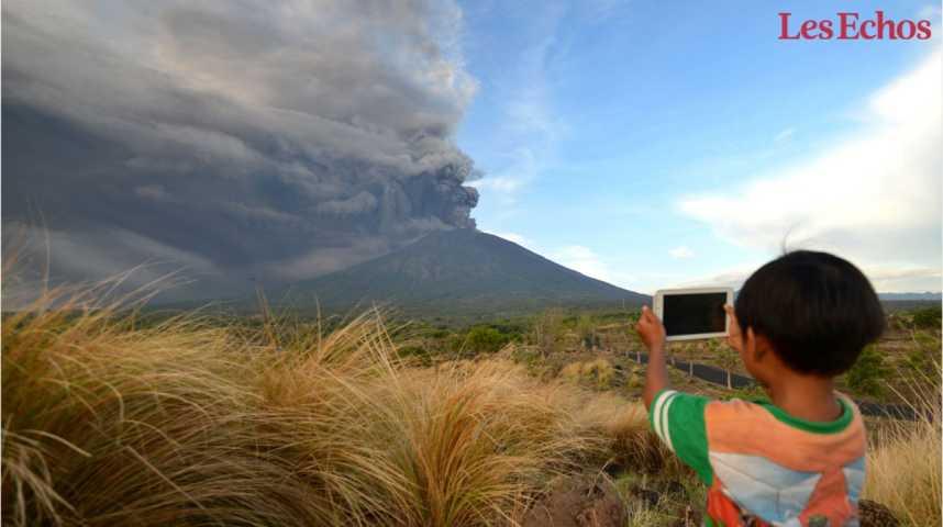 Illustration pour la vidéo Indonésie : le Mont Agung menace d'entrer en éruption