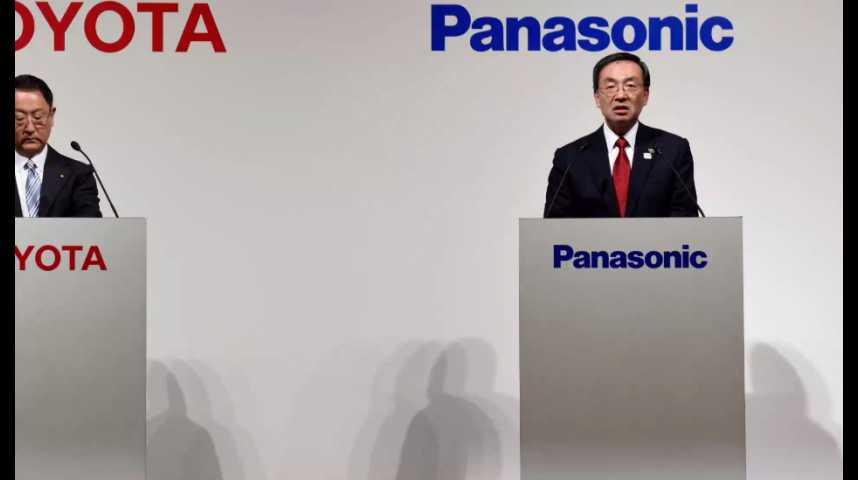 Illustration pour la vidéo Toyota recrute Panasonic pour concevoir les batteries de ses futures voitures électriques