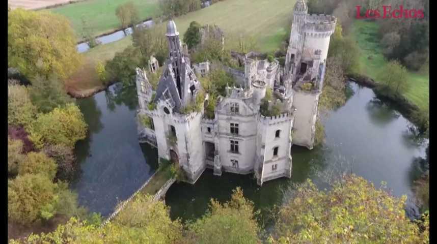 Illustration pour la vidéo Un château vendu 500.000 euros à 6.500 internautes