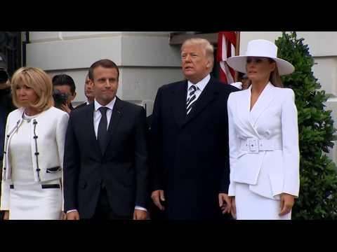 Toutes les fois où Melania n'a pas voulu de la main de Donald Trump