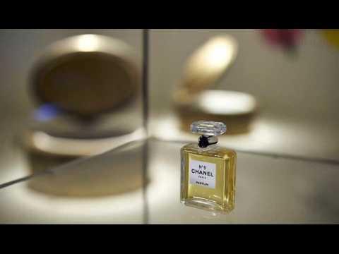 Des perturbateurs endocriniens dans les parfums Dior et Chanel