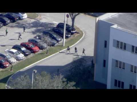 Floride : un élève tue 17 personnes dans son ancien lycée