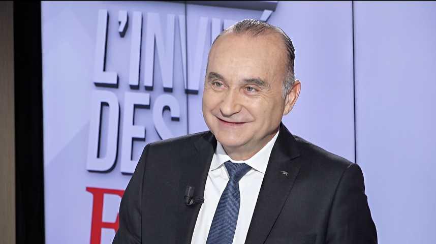 Illustration pour la vidéo « Axa va ouvrir des cabines de télémédecine dans les entreprises », déclare le PDG France
