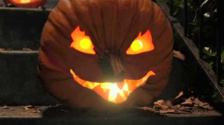 Chair de poule 2 : Les Fantômes d'Halloween - Bande annonce 2 - VO - (2018)