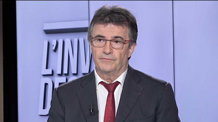 Illustration pour la vidéo « Le Crédit Agricole cherche des partenaires sur ses métiers, pas une acquisition », déclare Philippe Brassac