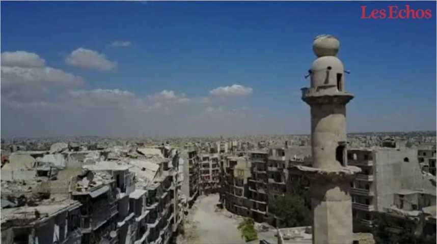 Illustration pour la vidéo Les ruines de la ville d'Alep filmées par un drone