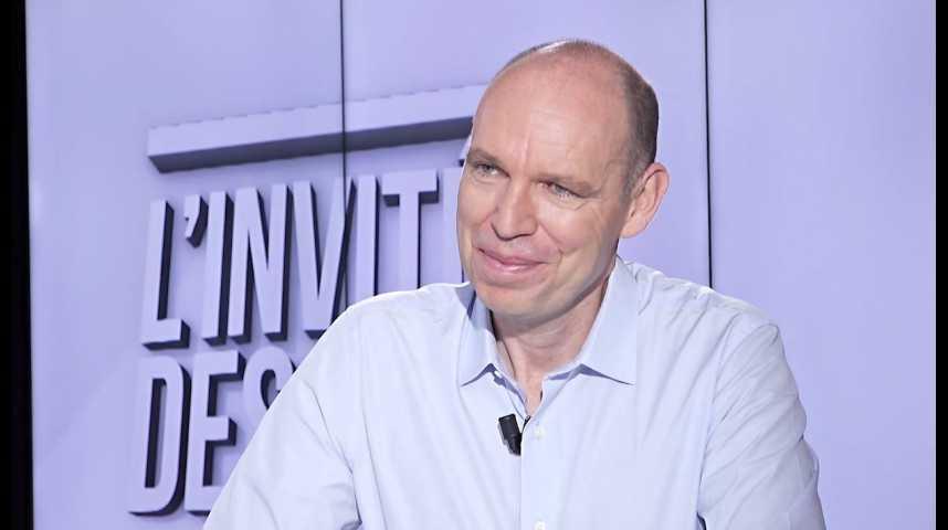 Illustration pour la vidéo Partenariat Casino-Auchan : « L'objectif est de négocier à armes égales avec les multinationales », déclare Régis Schultz (Monoprix, filiale de Casino)