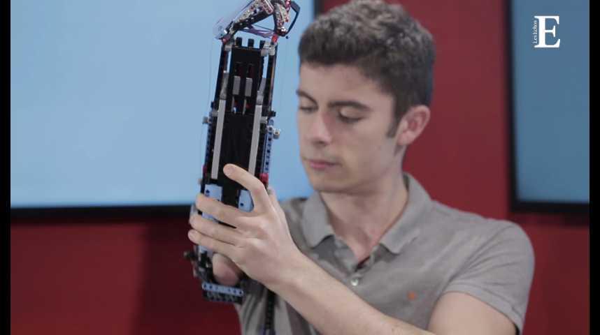 """Illustration pour la vidéo Il a fabriqué sa propre prothèse de bras en Lego : rencontre inspirante avec David Aguilar, aka """"Hand Solo"""""""