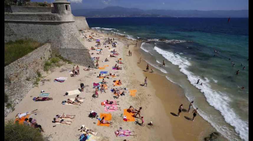 Illustration pour la vidéo Le tourisme en France retrouve son niveau d'avant les attentats